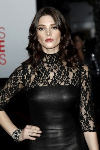 ashley_greene-2
